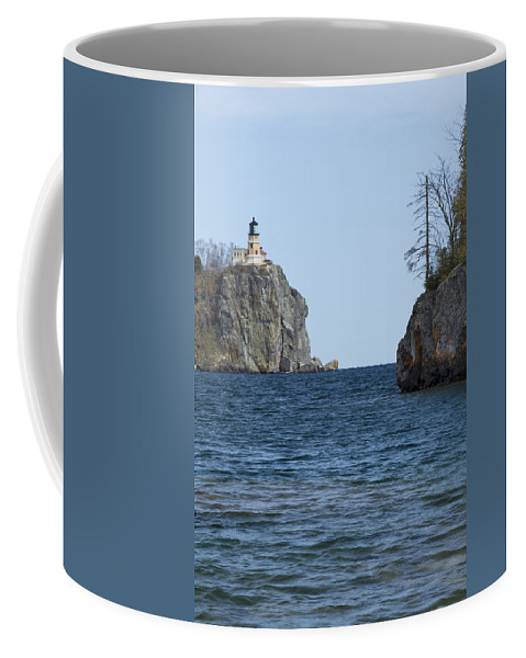 Split Coffee Mug featuring the photograph Split Rock Lighthouse 87 by John Brueske