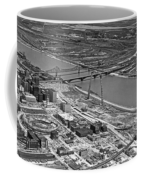 1960's Coffee Mug featuring the photograph St. Louis Arch Construction by Underwood Archives