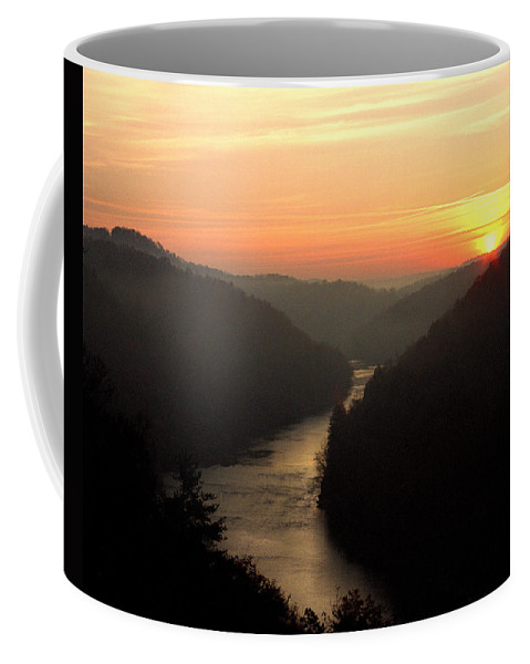 Sunrise Coffee Mug featuring the photograph Sunrise Over The Cumberland River At Cumberland Falls State Park by Greg Matchick