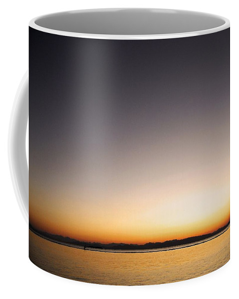 North America Coffee Mug featuring the photograph Sunset Over Lake Champlain - Vermont by Juergen Weiss