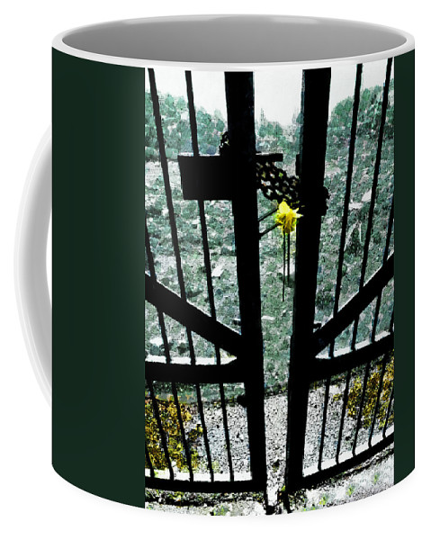 Qeii Coffee Mug featuring the photograph The Memorial Gates by Steve Taylor