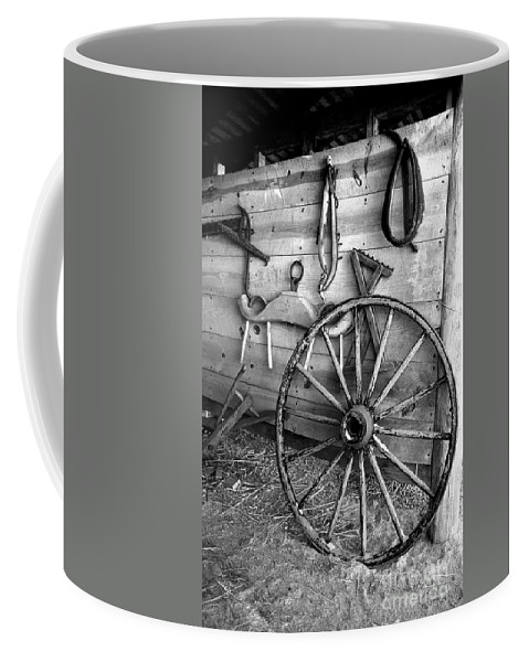 Wagon Coffee Mug featuring the photograph The Wagon Wheel Bw by Mike Nellums