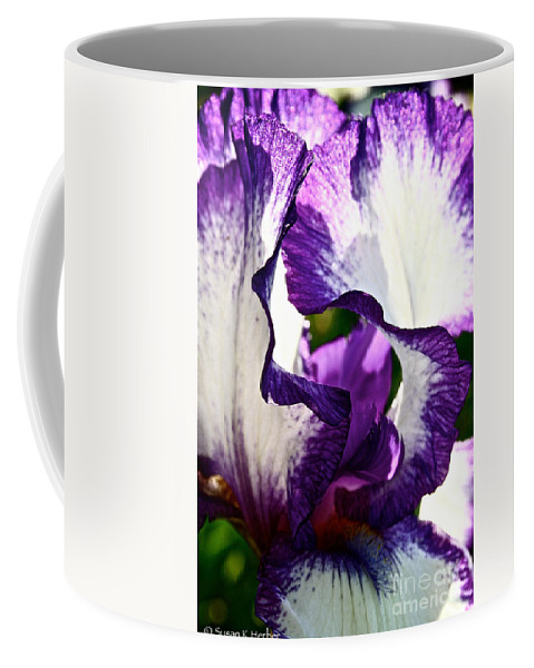 Plant Coffee Mug featuring the photograph Violet Edges by Susan Herber