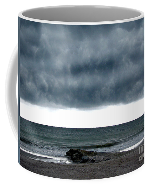 Scenic Tours Coffee Mug featuring the photograph Cauldron by Skip Willits