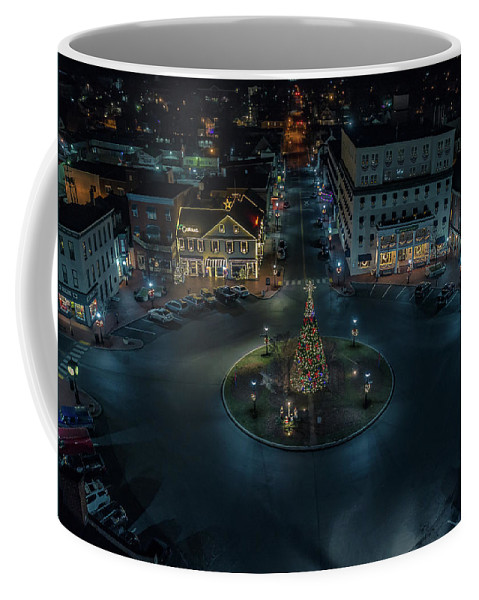 Gettysburg Coffee Mug featuring the digital art Christmas Lights, Looking North by Richard Jarcy