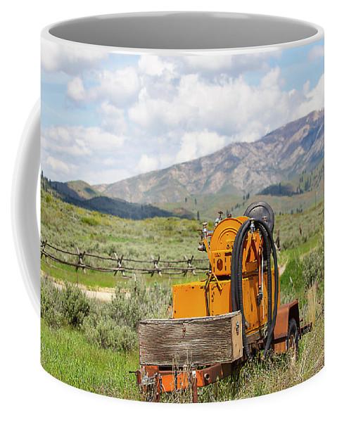 Idaho Coffee Mug featuring the photograph Idaho Landscape by Dart Humeston