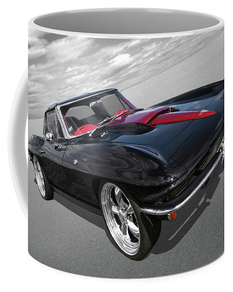 Corvette Stingray Coffee Mug featuring the photograph 1963 Corvette Stingray Split Window In Black And Red by Gill Billington