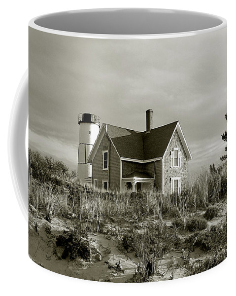 Sandy Neck Coffee Mug featuring the photograph Sandy Neck Lighthouse by Charles Harden