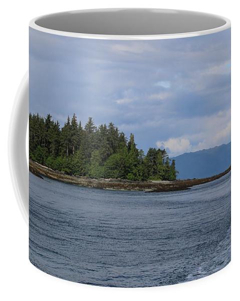 Coffee Mug featuring the photograph Alaska_00035 by Perry Faciana