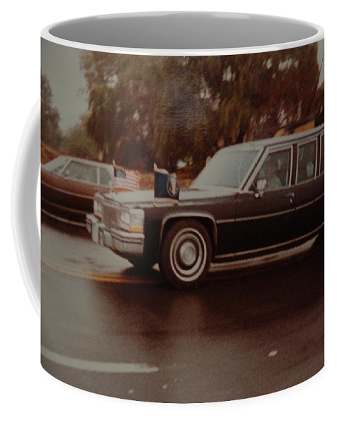 Potus Coffee Mug featuring the photograph 40th In Valley Stream New York by Rob Hans