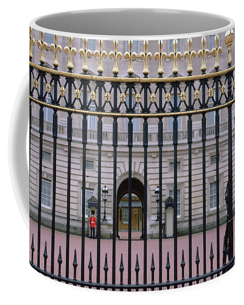 Photography Coffee Mug featuring the photograph A View Through The Gates At Buckingham by Joel Sartore