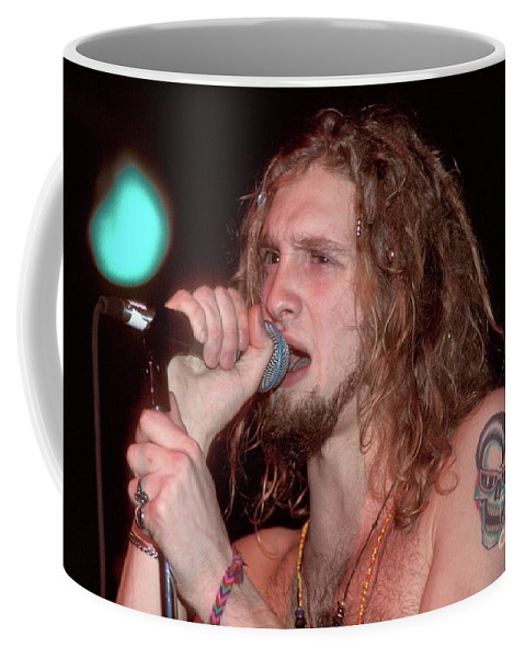 Vocals Coffee Mug featuring the photograph Alice In Chains - Layne Staley by Concert Photos