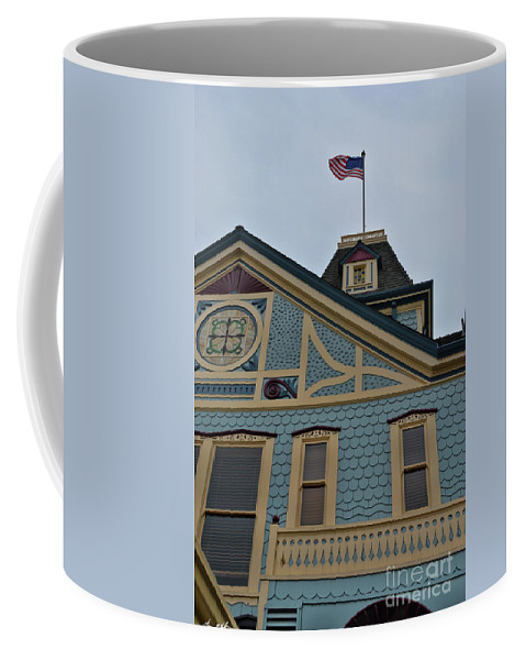 America Coffee Mug featuring the photograph An American Victorian by Tommy Anderson