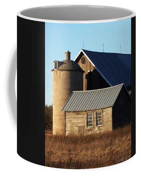 Barn Coffee Mug featuring the photograph Barn At 57 And Q by Tim Nyberg