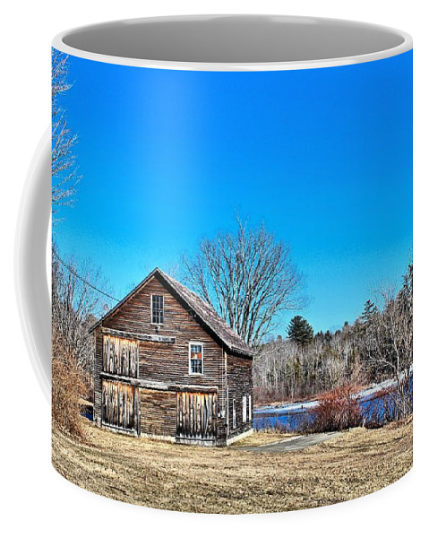 Barn Coffee Mug featuring the photograph Barn_0185 by Joseph Marquis