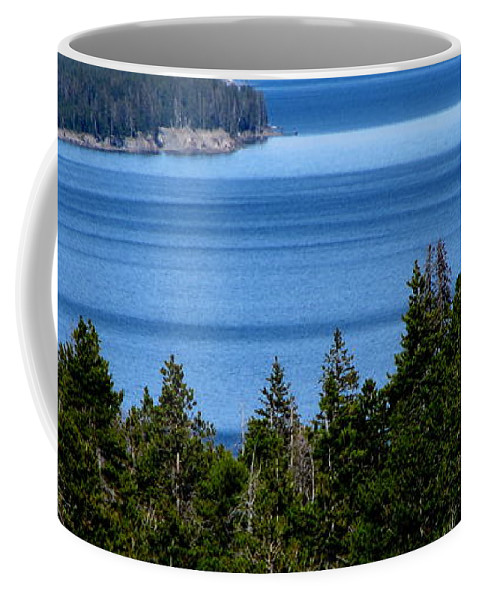Patzer Coffee Mug featuring the photograph Bend In Columbia by Greg Patzer