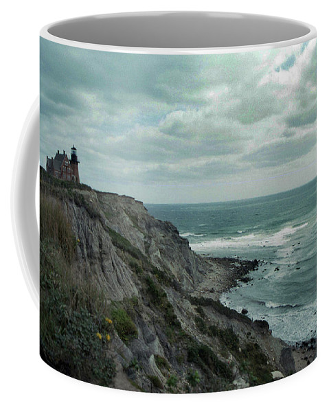 Block Island Coffee Mug featuring the photograph Block Island South East Lighthouse by Skip Willits