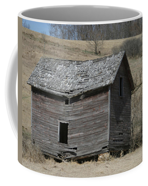 Old Barns Coffee Mug featuring the photograph Breaking Up by Bjorn Sjogren