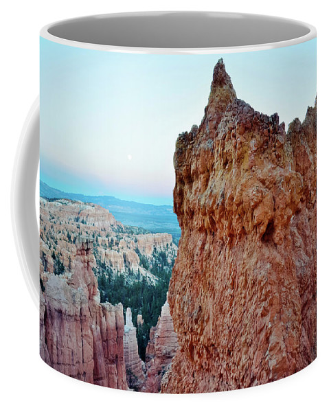 Bryce Canyon National Park Coffee Mug featuring the photograph Bryce Canyon Navajo Loop Trail by Kyle Hanson