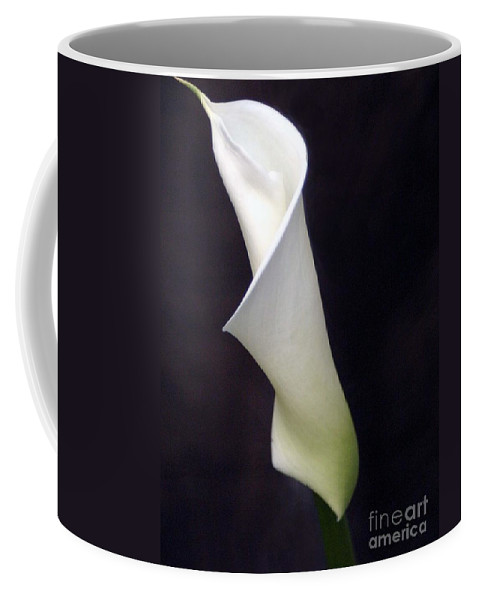 Cali Lilly Coffee Mug featuring the photograph Cali Lilly by Melanie Rainey