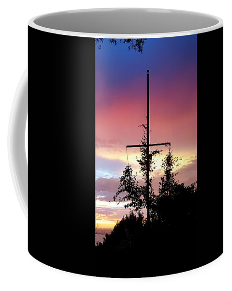 Deep Blue And Pink Clouds Coffee Mug featuring the photograph Cape Ann Sunset Silhouettes by Harriet Harding