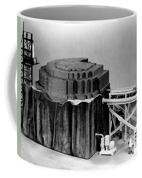 Science Coffee Mug featuring the photograph Chicago Pile-1, Scale Model by Science Source