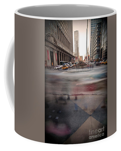 Chicago Coffee Mug featuring the photograph Chicagoans Rushing To Get Home by Sven Brogren