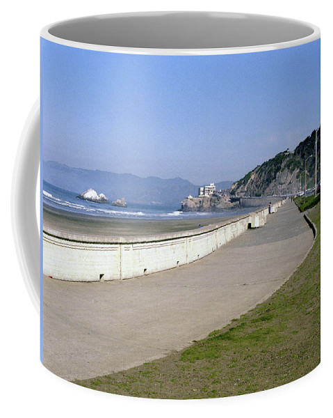 Cliff House Coffee Mug featuring the photograph Cliff House San Francisco by Lee Santa