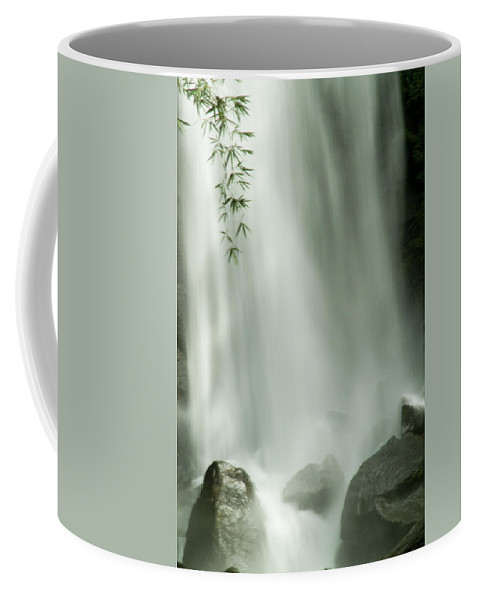 Trafalgar Falls Coffee Mug featuring the photograph Close View Vertical Of Trafalgar Falls by Todd Gipstein