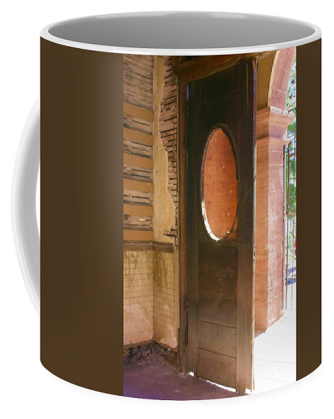 Door Coffee Mug featuring the photograph C'mon In by Nelson Strong