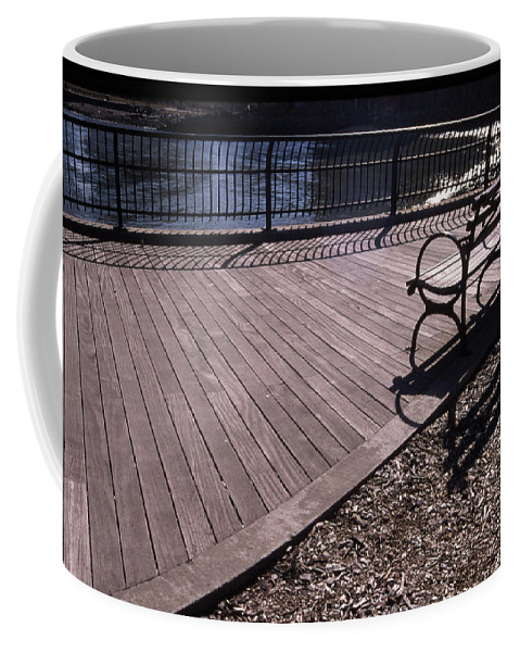 Manhattan Brooklyn Bridge Park Bench Coffee Mug featuring the photograph Cnrg0404 by Henry Butz