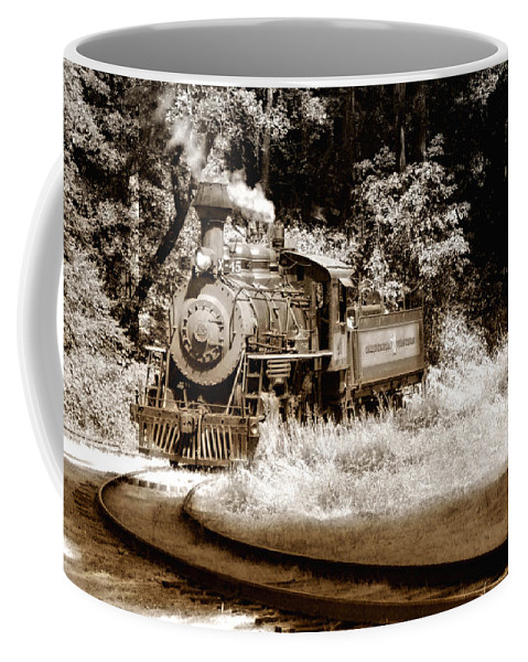 Train Coffee Mug featuring the photograph Comin Round The Mountain by Donna Blackhall