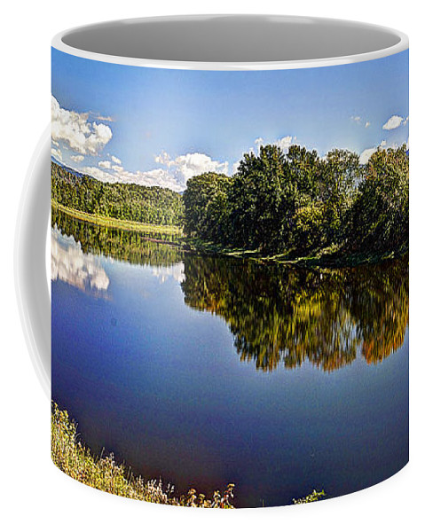 Park Coffee Mug featuring the photograph Connecticut River by Deborah Klubertanz