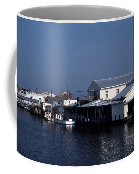 Scenic Tours Coffee Mug featuring the photograph Crisfield Md by Skip Willits