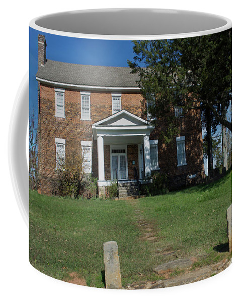 Scenic Tours Coffee Mug featuring the photograph Cross Keys Plantation, Sc by Skip Willits