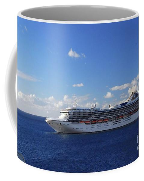 Cruise Coffee Mug featuring the photograph Cruising by Gary Wonning