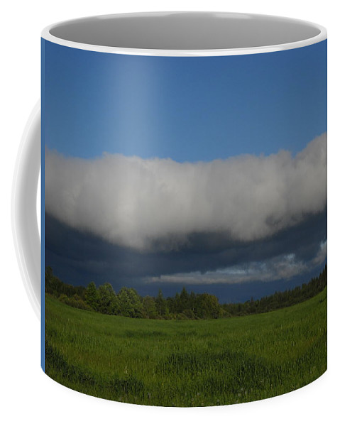 Clouds Coffee Mug featuring the photograph Dawn Clouds In The Southwest by Kent Lorentzen