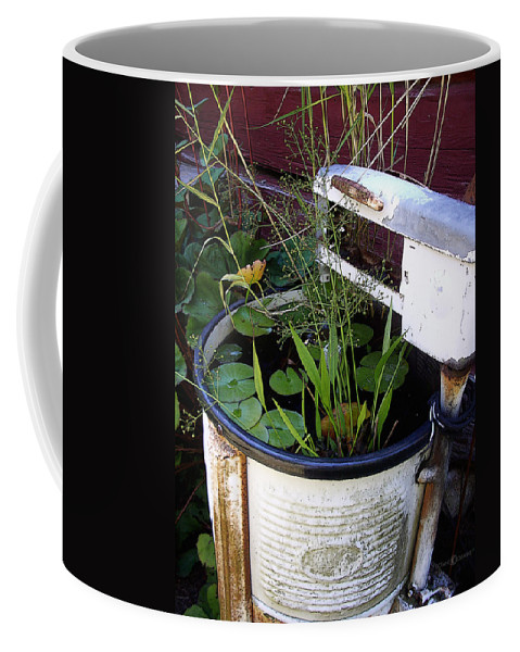 Wringer Coffee Mug featuring the photograph Dead Wringer by Tim Nyberg