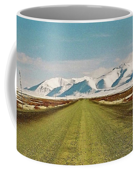 North America Coffee Mug featuring the photograph Dempster Highway - Yukon by Juergen Weiss