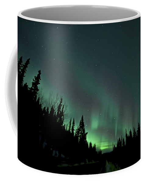 Aurora Borealis Coffee Mug featuring the photograph Dempster Highway Lights by Craig Voth