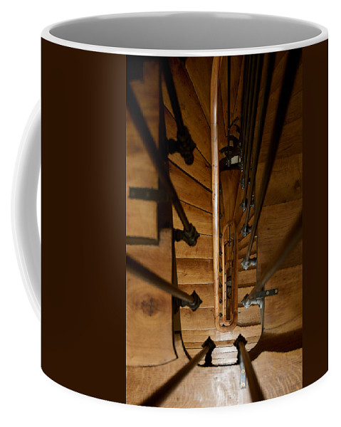 Lawrence Coffee Mug featuring the photograph Descendre by Lawrence Boothby