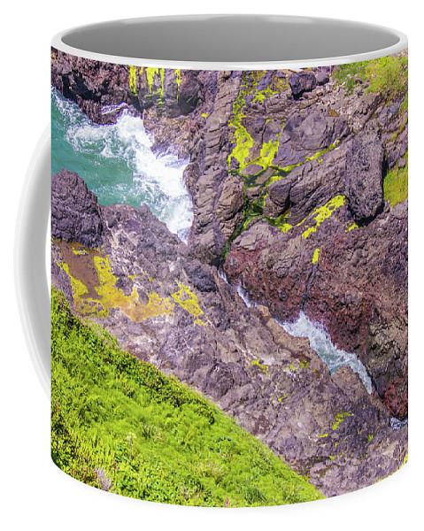 Oregon Coffee Mug featuring the photograph Devils Crack by Jonny D