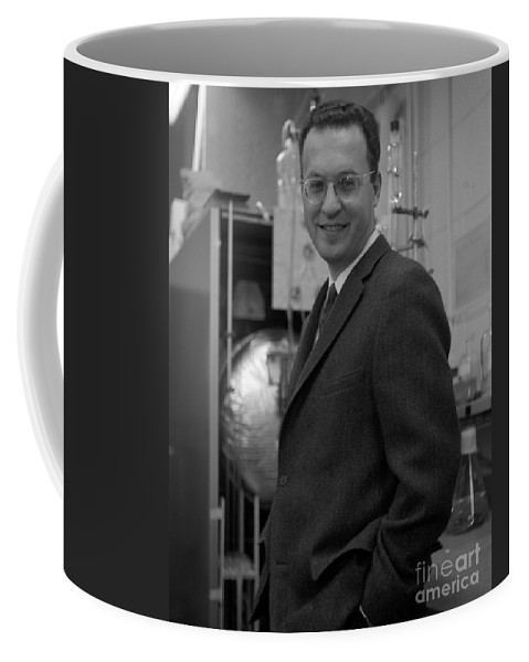 Science Coffee Mug featuring the photograph Donald Glaser, American Physicist by Science Source