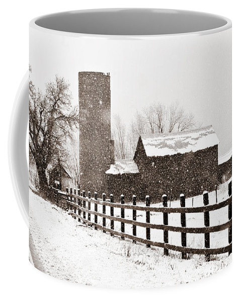 Americana Coffee Mug featuring the photograph Driving Down Cherryvale by Marilyn Hunt