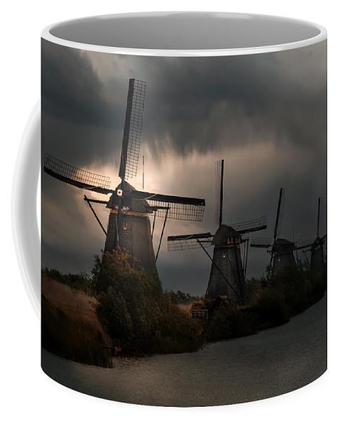 Wind Coffee Mug featuring the photograph Dutch Windmills In Kinderdjik by Jaroslaw Blaminsky
