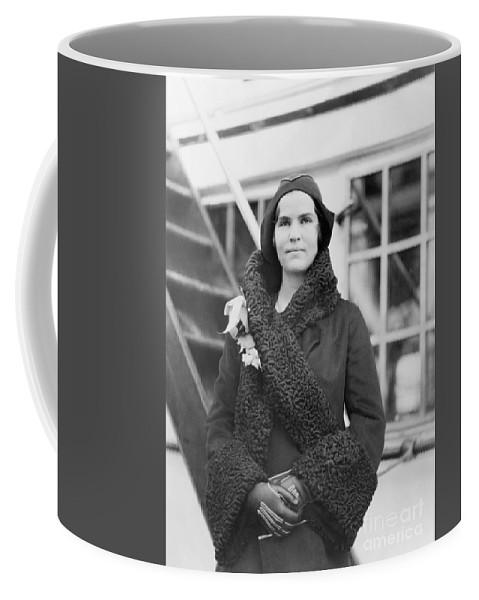 Insulin Coffee Mug featuring the photograph Elizabeth Hughes Gossett by Science Source