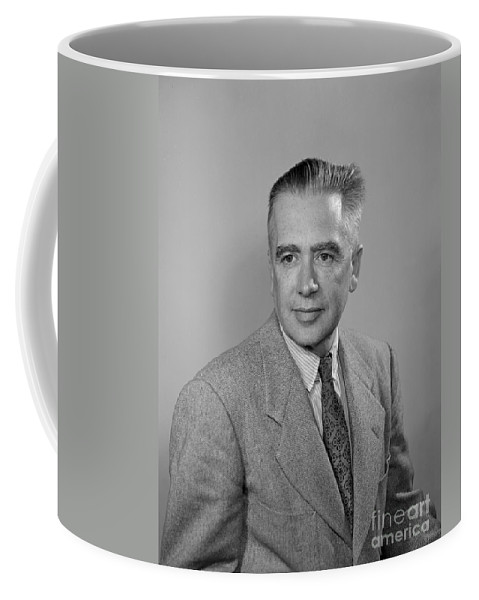 Science Coffee Mug featuring the photograph Emilio Segr�, Italian-american Physicist by Science Source