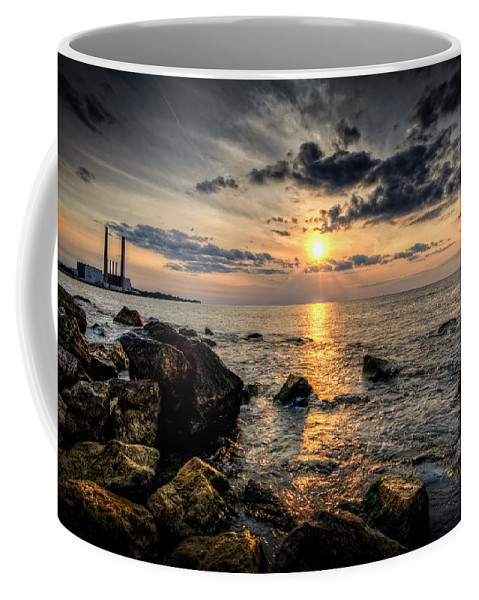 Sunset Coffee Mug featuring the photograph End Of The Day by Everet Regal