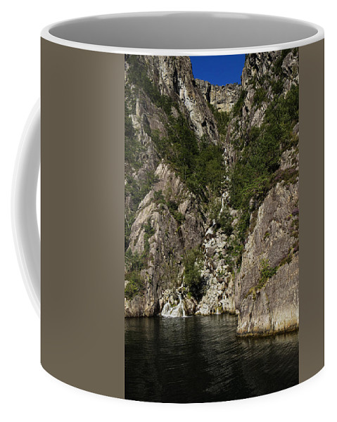 Lighthouse Coffee Mug featuring the photograph Falling In Love Again by Lucinda Walter