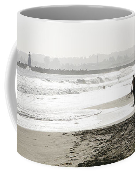 Men Coffee Mug featuring the photograph Family Fun At The Beach by Marilyn Hunt